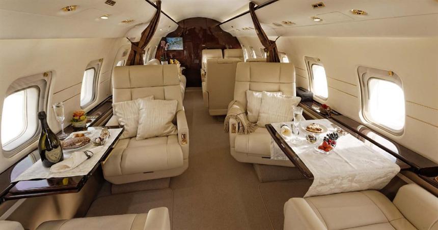 Challenger-604-Interior